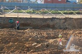 Трамбовка и изготовление опалубки для бетонной подготовки