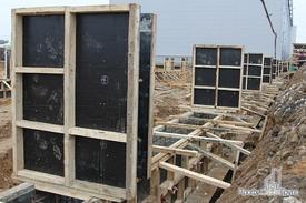 Заливка фундамента под каркас складской части здания
