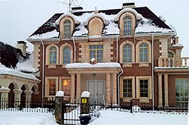 Трехэтажный частный дом