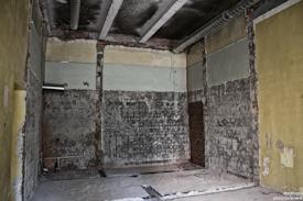 Отделка, ремонт, реконструкция казарм