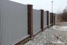 Забор и подъездная дорога к участку